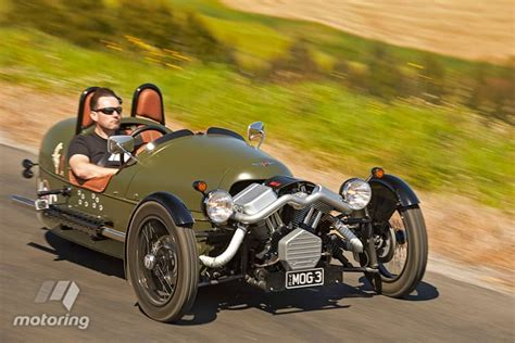 three wheeler review 3 wheeler 2015 review motoring au