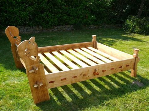 viking bed oseberg bed reconstruction no useful info but a good