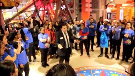 last day at toys r us times sq employee send