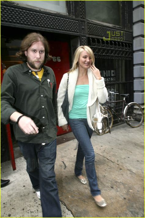 Cameron Diaz And Mayer Dating by Cameron Get Busy In The Big Apple Photo 542801