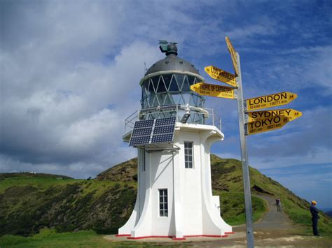Solar Power Lighthouses Te Ara Encyclopedia Of New Zealand Light House Solar