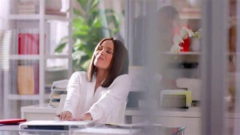 colgate total advanced tv commercial con karla mart 237 nez colgate total tv spot mejora la salud bucal con karla