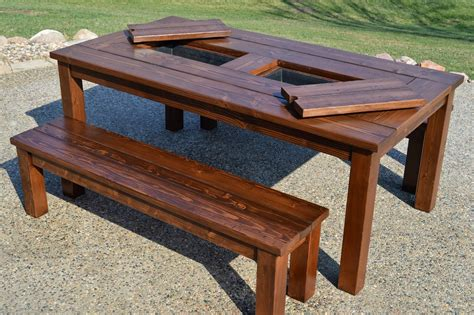 Outside Patio Tables by Diy Outdoor Table For The Stylish Yet Cost Effective Result