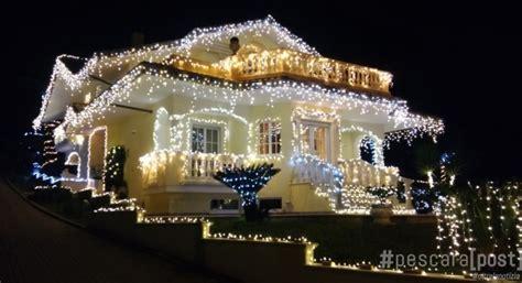 casa illuminata per natale la casa dalle mille di natale a ortona ecco perch 233