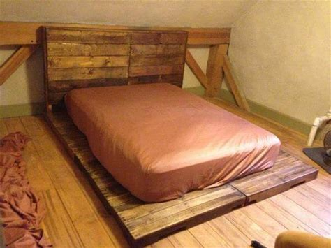 Diy Bed Platform Diy Pallet Platform Bed With Headboard Pallet Furniture Diy