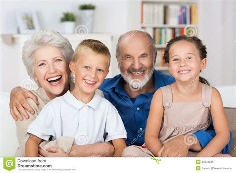 imagenes de abuelos alegres happy young siblings with their grandparents royalty free