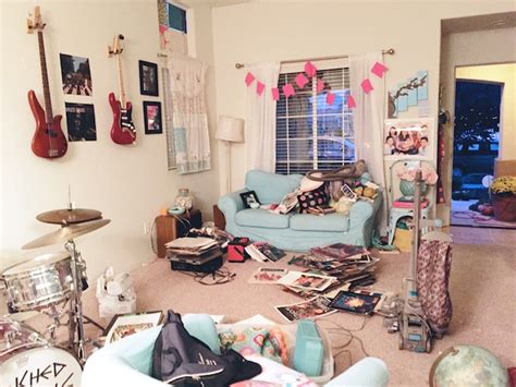 what really happens in the chagne room konmari the changing magic of what the hell happened to my living room ravishly media