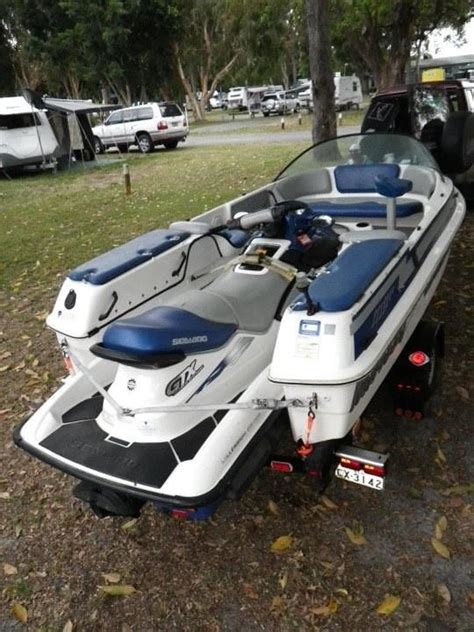 sea doo boat with detachable jet ski shuttle craft boat pictures to pin on pinterest pinsdaddy