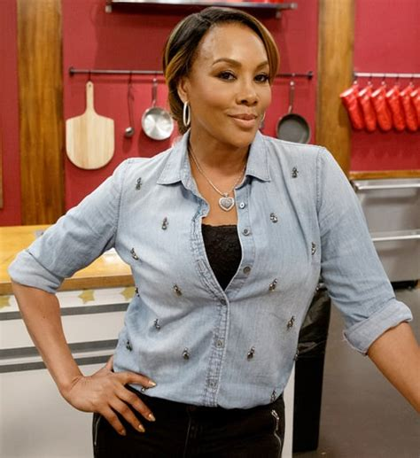 Worst Dress Of The Year Vivica Fox In Naeem Khan by Worst Cooks In America S Vivica A Fox Nearly Burned