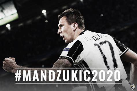 Topi Juventus Fino Alla Putih Hitam mario mandzukic ksatria hitam dan putih juventus