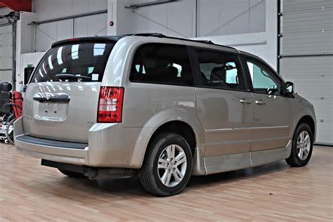 chrysler vans 2012 rollx braun wheelchair r chrysler minivans