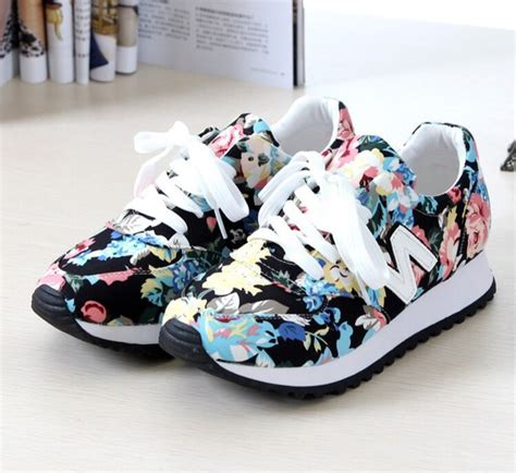 imagenes de zapatos nike huarache shoes sneakers new balance floral sneakers wheretoget