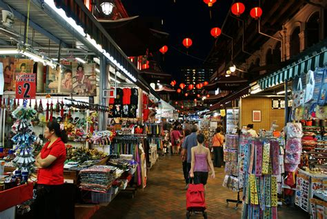 new year 2015 singapore shopping chinatown singapore shopping for souvenirs along