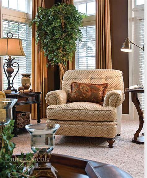 decorar sala con muebles beige sill 243 n beige con caf 233 decoraciones pinterest
