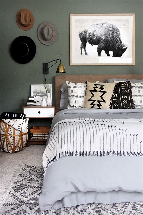 Green Bedroom Paint Ideas 25 best ideas about green bedroom walls on pinterest