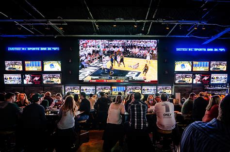 top sports bars dion ciccarelli s 22 sports bar digg downtown detroit