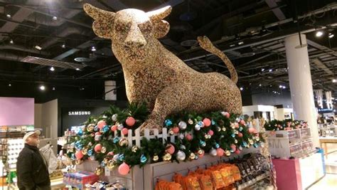 what are the christmas opening times for selfridges