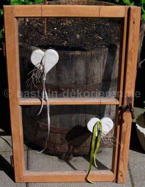 Altes Fenster Dekorieren by Bastelanleitung F 252 R Eine Deko Mit Herzen Aus Beton