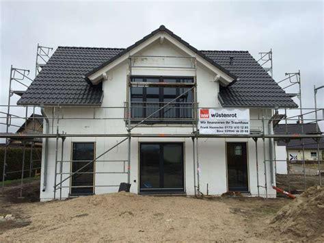 haus bauen im winter bautagebuch familienhaus mit panoramagaube in elbeu