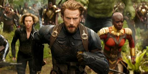 captain america infinity war captain america has a new shield in avengers infinity war