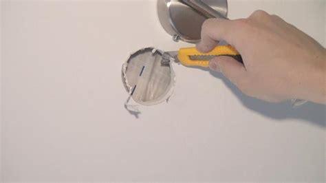 bohrloch in fliese reparieren loch in einer rigipswand reparieren anleitung diybook at