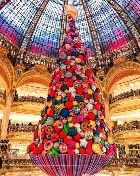 christmas tree in lafayette meet the balloon tree at galeries lafayette what do you think galeries lafayette