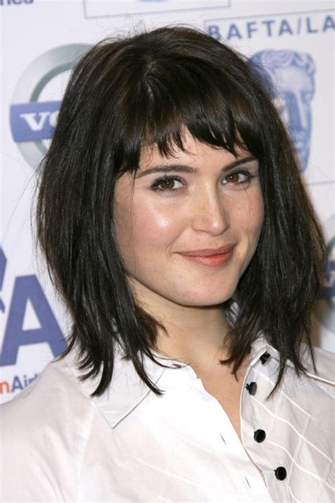 hair cut with a defined point in the back 40 cute looks with short hairstyles for round faces