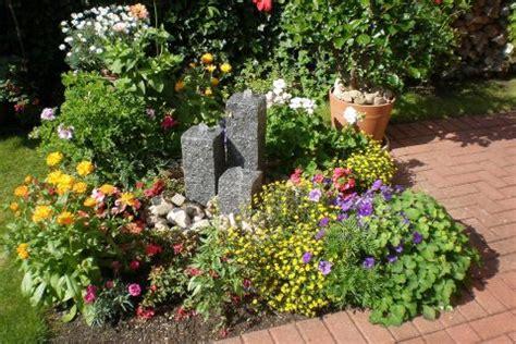 springbrunnen im beet sweetmenu info