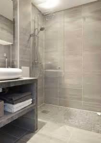 stand up shower glass door 224 l italienne avec carrelage imitation parquet et gr 232 s