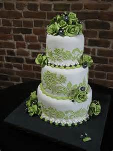 wedding cake green tickled pink cakes wedding cake goes green