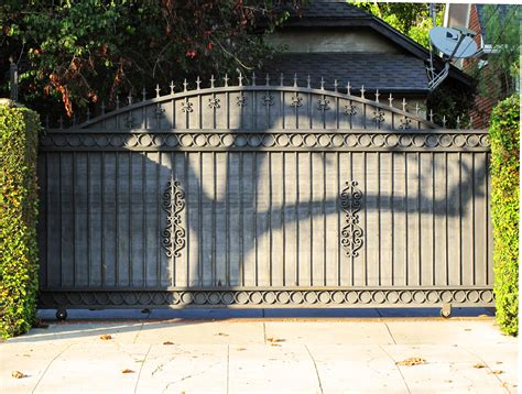 file metal driveway gate hancock park jpg wikimedia commons