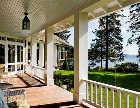 veranda weiss holz das traditionelle zuhause erneuern vorg 228 nge in farbe und