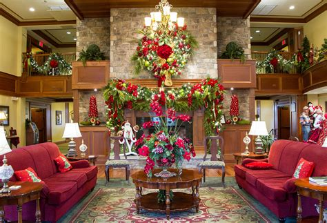 10 best places to get a christmas tree in us year hotel in pigeon forge tennesse