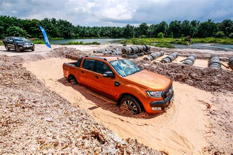 Comfortable 4x4 Ford Ranger Facelift From Highway To Dirt Road Carsifu