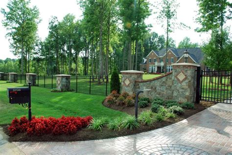 landscaping landscaping ideas for end of driveway