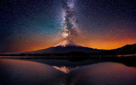 mesmerizing photos 10 mesmerizing hd images of the milky way hd wallpapers