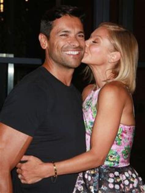 mark consuelos kelly ripa kiss 1000 images about kelly ripa mark consuelos kissing