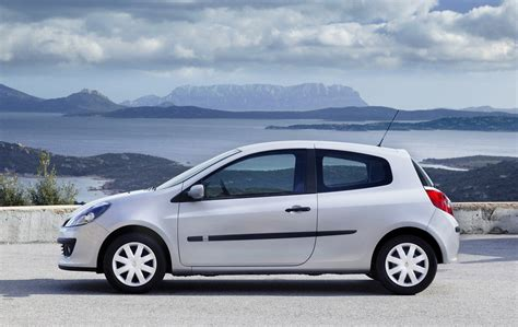 Renault Clio 2006 by Renault Clio Hatchback 2005 2012 Photos Parkers