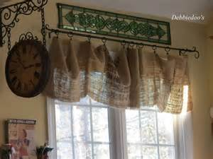 country kitchen curtain ideas 17 best ideas about burlap valance on country