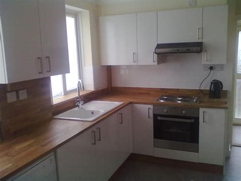 Kitchen worktop   gaps and tiling   DIYnot Forums