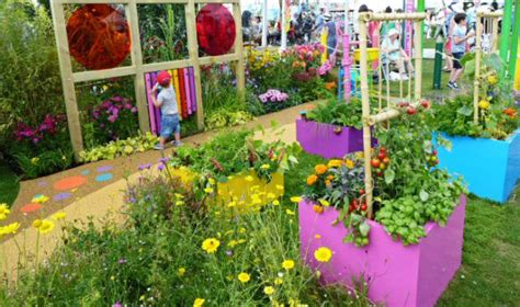 sensory gardens  colourful ideas  benefit special