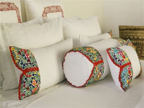 mexican embroidered bedding 25 best ideas about mexican pillows on pinterest