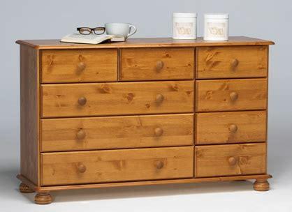 richmond pine 3 2 4 chest of drawers richmond bedroom