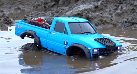 Toyota Rc Rc Toyota Hilux 4x4 Goes Roading In The Mud Does A