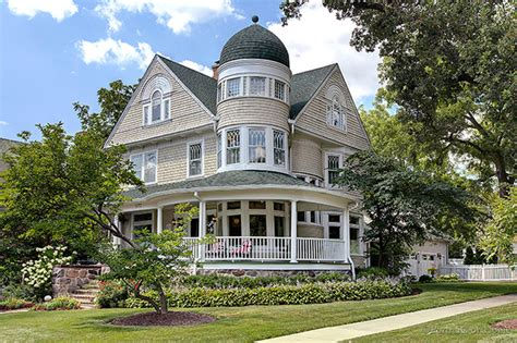 illinois houses for sale queen anne house in illinois for sale is heavenly