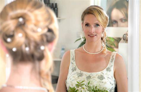 Hochzeitsfrisur Und Make Up by Hochzeitsfrisuren Brautfrisuren Braut Make Up