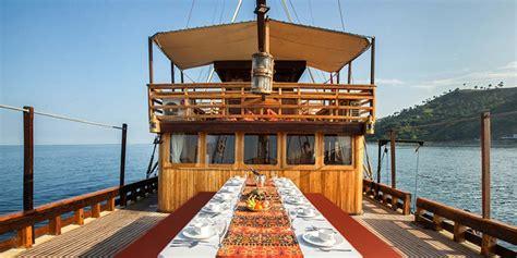plataran phinisi felicia wildlife cruise vessel