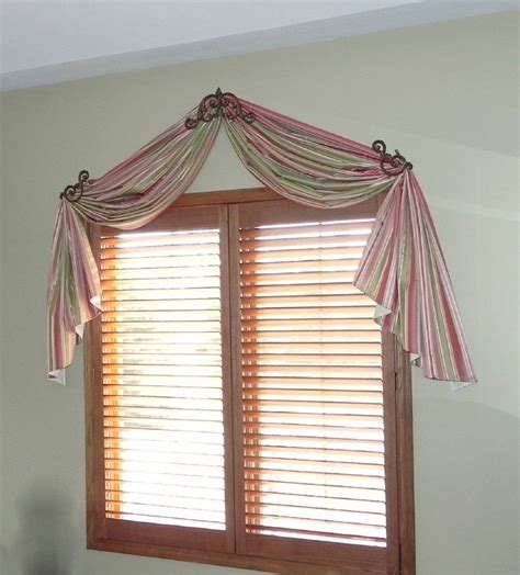 how do you drape a window scarf 58 best images about window treatments on pinterest