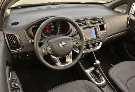 Kia Hatchback Interior کیا ریو 2012 هاچ بک پدال مجله خودرو و حمل و نقل