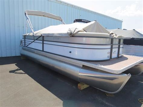 traverse city boat sales crest boats for sale in traverse city michigan